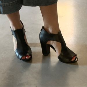 Michael Kors Leather Heels Women's SZ 6.5
